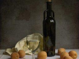 abrikosovoe-vino-v-domashnih-uslovijah-recept-s_1.jpg