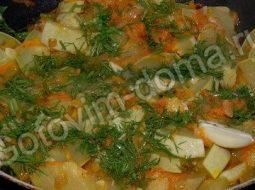 kabachki-tushenye-s-lukom-i-morkovju-recept_1.jpg