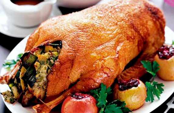 Как приготовить гуся запеченного в духовке - Рецепты с фото