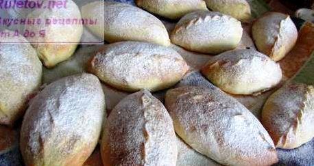 Как приготовить пирожки с вишней в духовке рецепт с фото