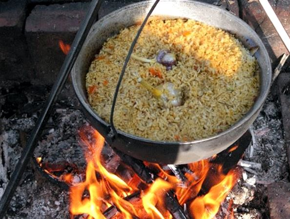 Как приготовить плов в казане на костре рецепт