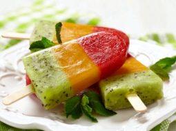 kak-sdelat-fruktovyj-led-v-domashnih-uslovijah_1.jpg