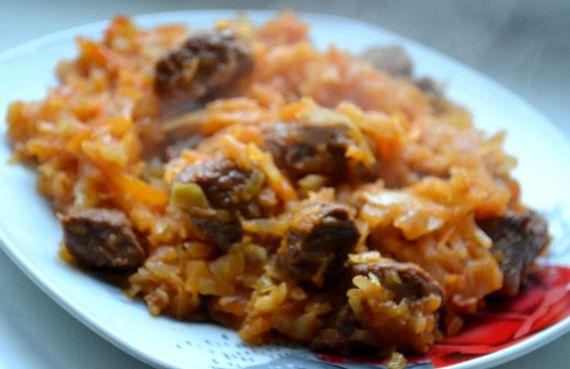 как приготовить капусту тушеную с мясом на сковороде рецепт пошагово с фото