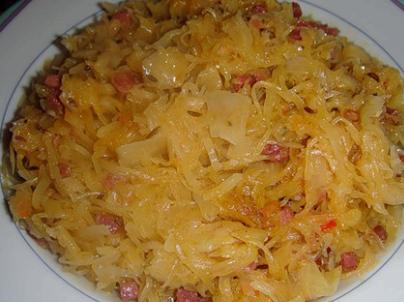 Квашеная капуста тушеная с сосиской рецепт с фото