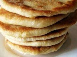 Лепёшки на сковороде на молоке рецепт с фото