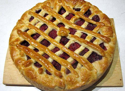 Пирог из дрожжевого теста с смородиной рецепт с фото