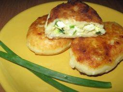 pirozhki-s-zelenym-lukom-i-jajcom-recept-s-foto_1.jpg