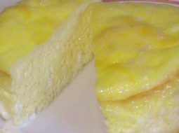 pyshnyj-omlet-s-molokom-recept-na-skovorode-s-foto_1.jpg