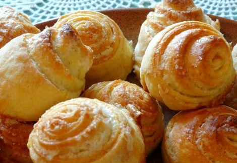 Рецепт булочек в духовке на дрожжах и молоке