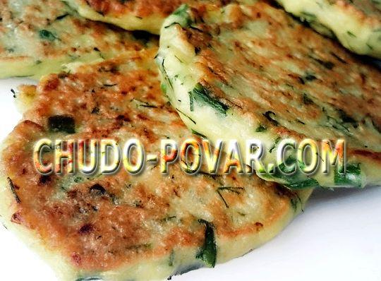 Рецепт оладьев из кабачков с чесноком и сыром