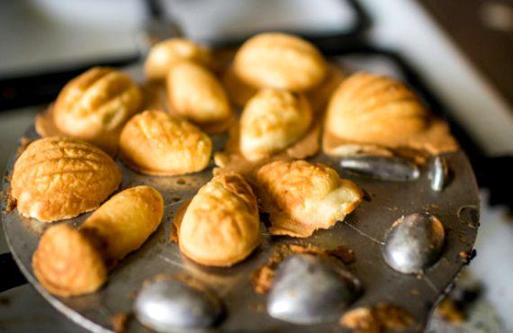 Рецепт печенья орешки и грибочки в форме на газу