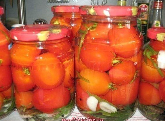 Рецепт соленых помидоров в банках на зиму