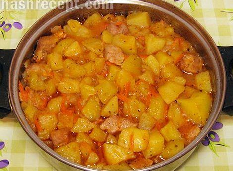 Потушить картошку с мясом в кастрюле фото
