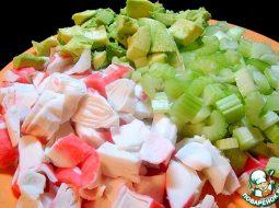 salat-iz-naturalnogo-krabovogo-mjasa-recept_1.jpg