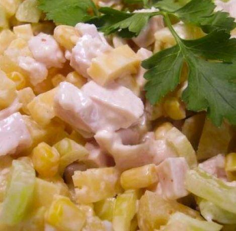 Салат с копченой курицей и ананасом и капустой рецепт