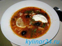 soljanka-s-kopchenymi-rebryshkami-recept-s-foto_1.jpg