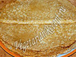 bliny-na-moloke-recept-tonkie-s-dyrochkami-bez-2_1.jpeg
