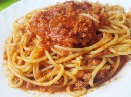 boloneze-prostoj-recept-s-tomatnoj-pastoj_1.jpg