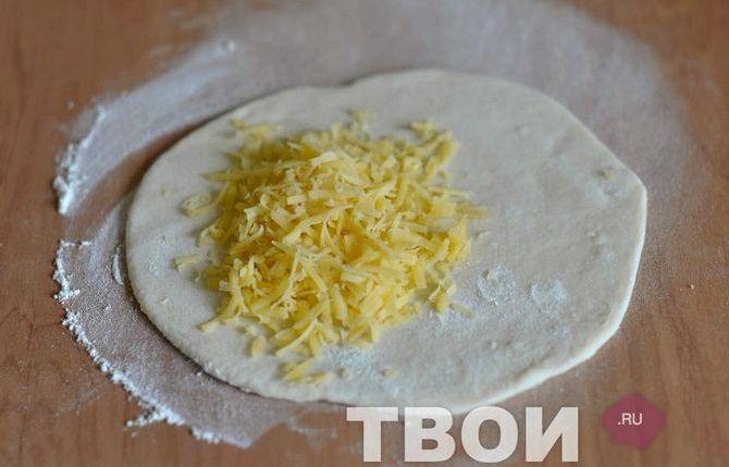 Чебуреки с помидорами и сыром рецепт с фото пошаговый