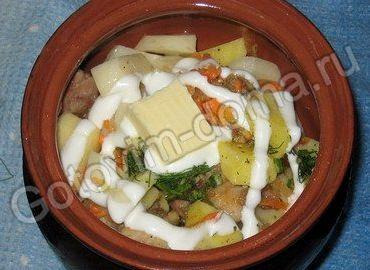 Горшочки с мясом и картофелем в духовке рецепт