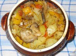 Горшочки в духовке с мясом и картошкой рецепт
