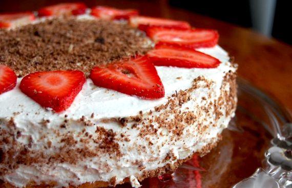 Как приготовить клубничный пирог простой рецепт