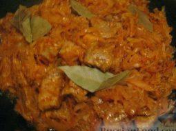 Капуста квашеная тушеная с мясом рецепт с фото