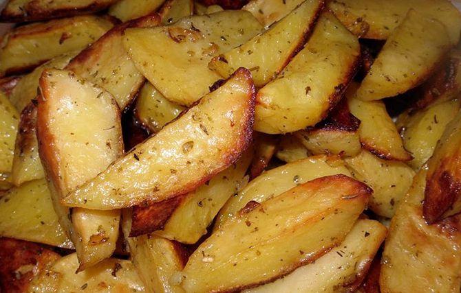 Картофель в духовке дольками рецепт с фото
