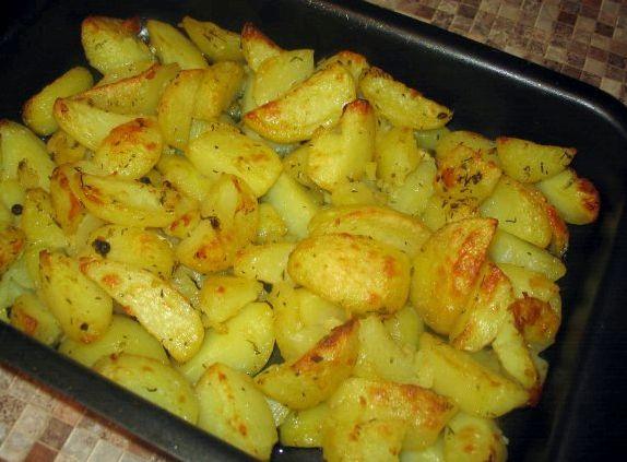 Картошка в духовке с чесноком сыром и майонезом рецепт с фото
