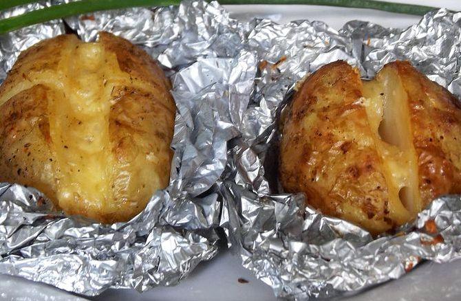 Картошка запеченная в духовке с сыром рецепт