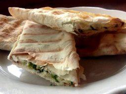 lavash-s-syrom-i-zelenju-na-skovorode-recept-s_1.jpg