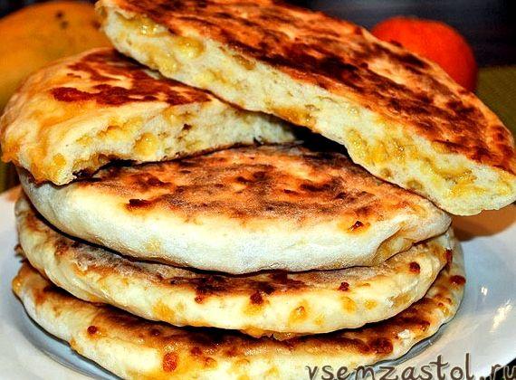 Лепешки на кефире рецепт на сковороде с сыром