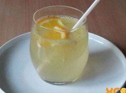 limonad-v-domashnih-uslovijah-s-limonom-i_1.jpg