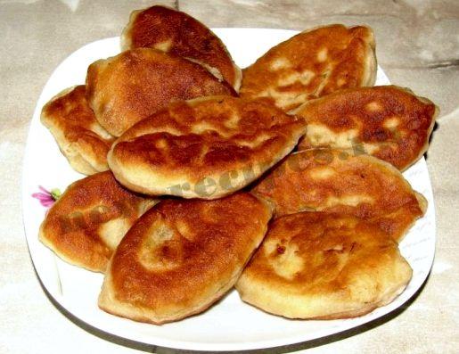 Пирожки жареные на сковороде с яблоками рецепт с фото