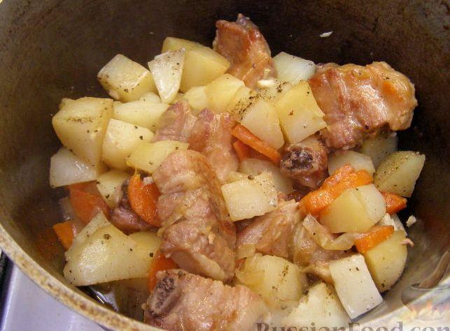 Ребрышки свиные тушеные с картошкой рецепт
