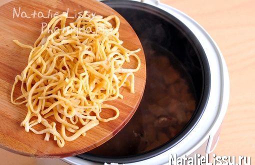Рецепт домашней лапши на яйцах для супа