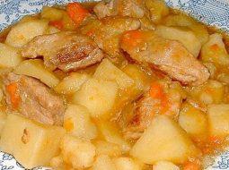 Рецепт картошки тушеной с курицей в мультиварке