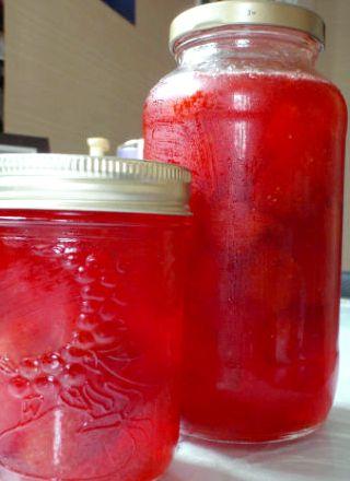 Рецепт клубничного компота на зиму пошагово