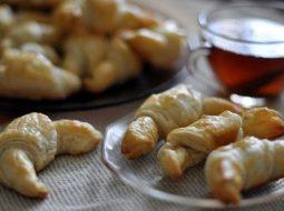 recept-kruassany-iz-slojonogo-testa-so_1.jpg