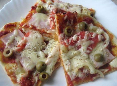 Рецепт пиццы с помидорами и ветчиной и сыром