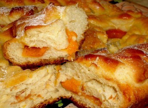 Рецепт пирога с абрикосами из дрожжевого теста