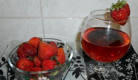 Рецепт приготовления вина из клубники в домашних условиях