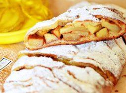 Рецепт с фото пирог с яблоками и корицей