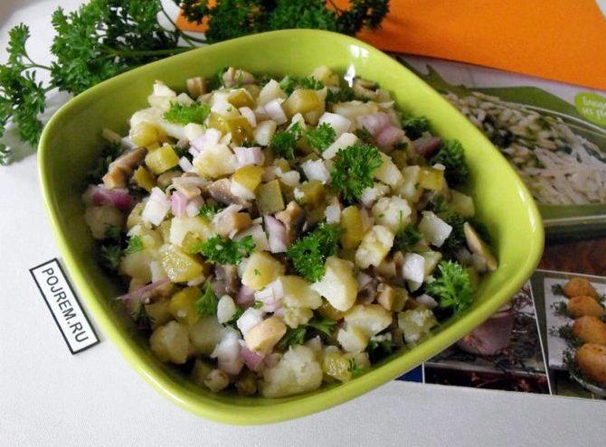 Рецепт салата с грибами маринованными