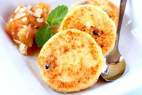 Рецепт сырников из творога с манкой с фото