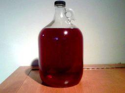 recept-vina-iz-krasnoj-i-chernoj-smorodiny_1.jpg