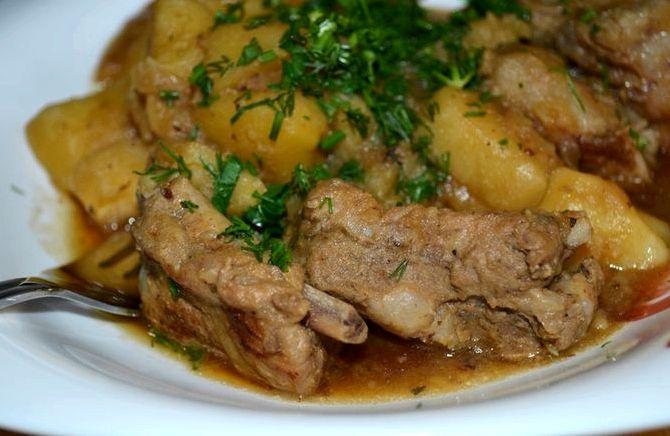 Рёбрышки свиные с картошкой рецепт с фото