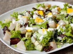 salat-iz-treski-varenoj-s-kartofelem-i-lukom_1.jpg