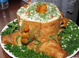 salat-penek-iz-blinov-s-vetchinoj-i-gribami_1.jpg