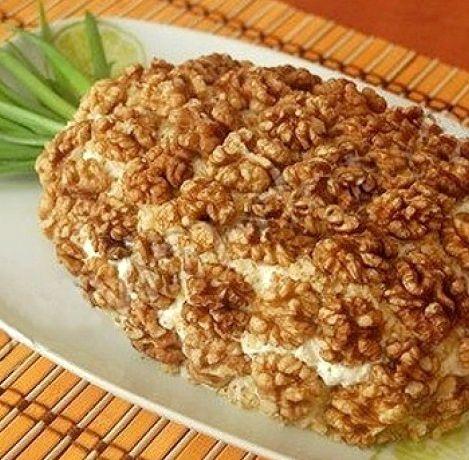Салат с грецкими орехами и курицей рецепт с фото